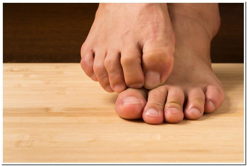 Numb Second Toe Left Foot